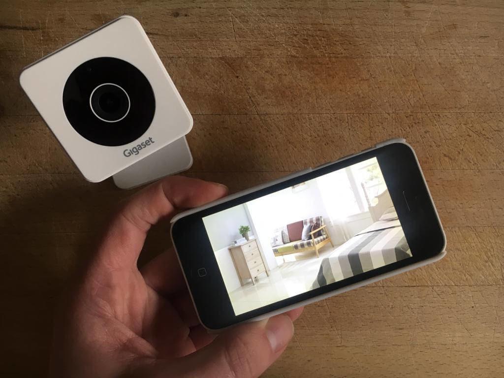 slimme beveiligingscamera koppelen