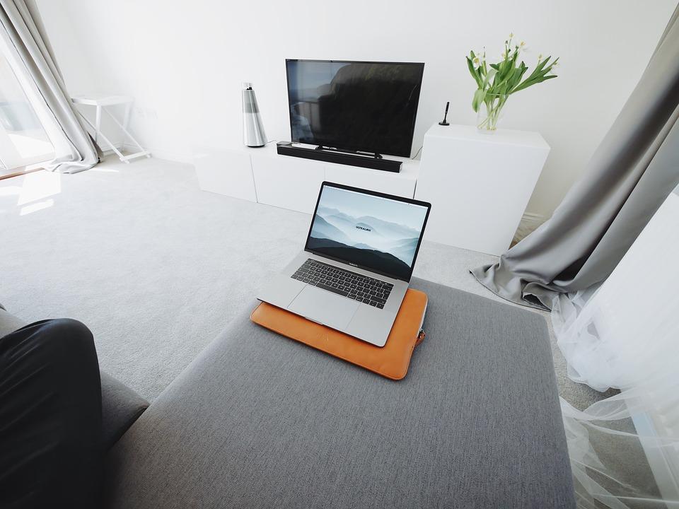 tv kijken op laptop