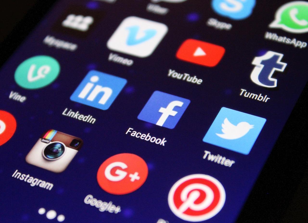 black friday merken social media